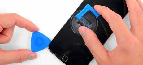 iFixit e Motorola lançam kit de ferramentas para você mesmo reparar seu smartphone
