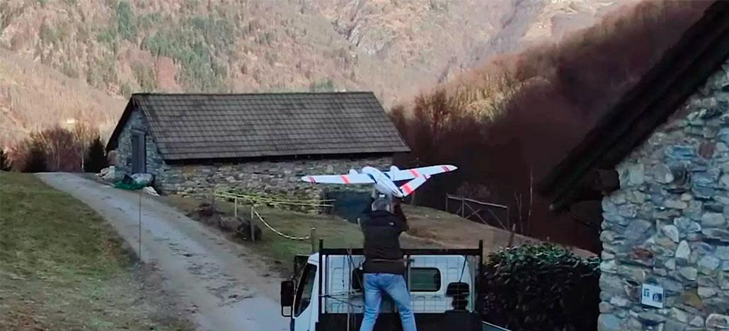Um Drone bimotor de duas asas fez entrega de correspondência na Suíça por 98km